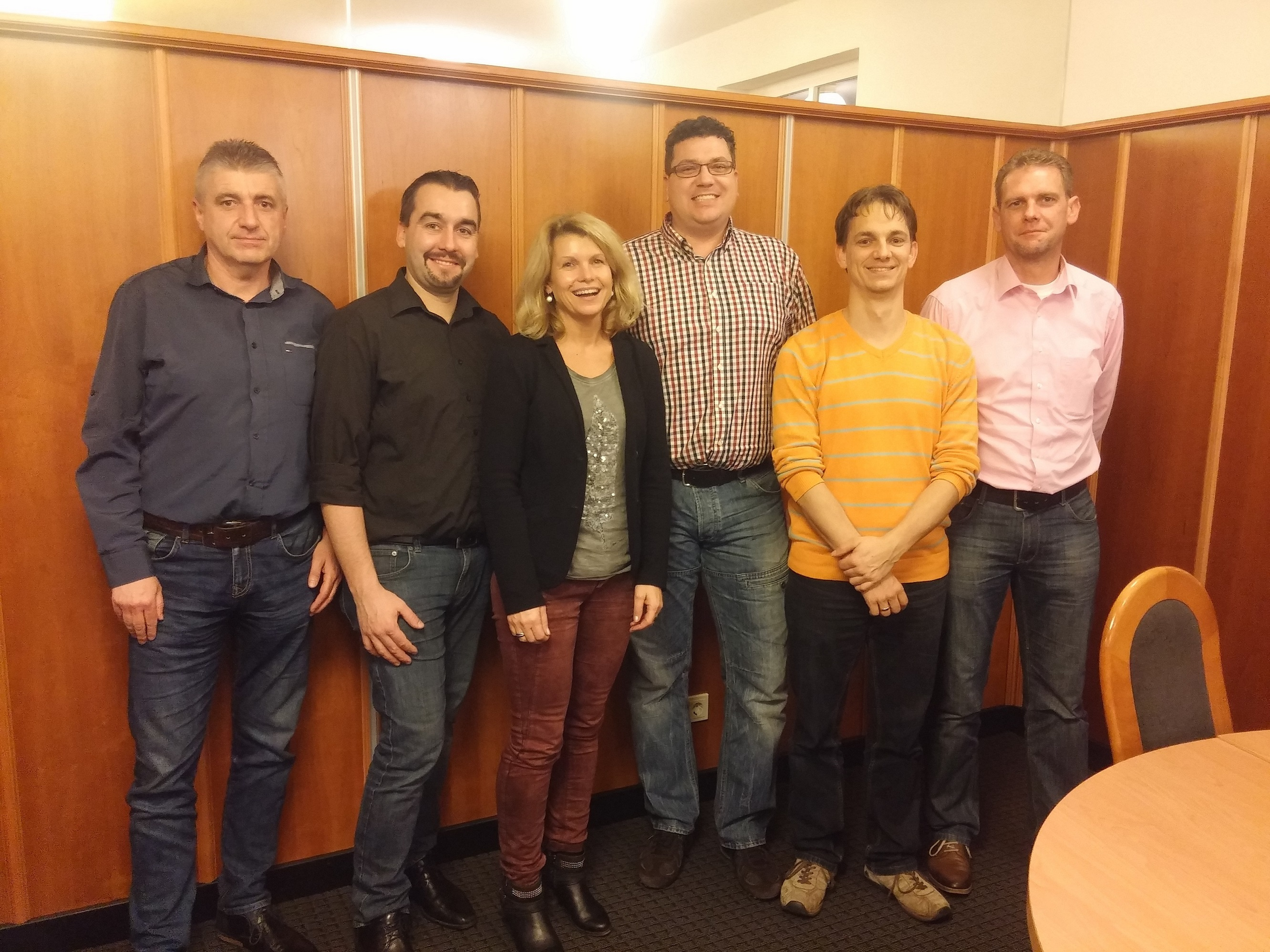 Der neu gewählte Vorstand: (v. l. n.r.: Dieter Vey, Daniel Trapp, Angelika Hildenbrand, Matthias Pappert, Christian Schön, Marco Fladung. Es fehlt: Nikolai Hildenbrand.